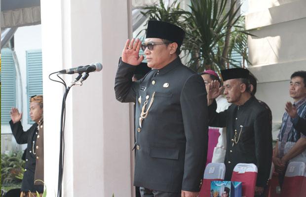 Wakil Wali Kota Malang Sofyan Edi Jarwoko saat memimpin upacara bendera peringatan HUT Jatim ke 73 di halaman Balai Kota Malang. (Foto: Humas Pemkot Malang for MalangTIMES)