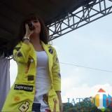 Lirik lagu berjudul Aku Takut yang dipopulerkan Repvblik  syahdu ketika dinyanyikan oleh artis ibu kota Ifni Lana. (Foto : Indomaret For MalangTIMES)