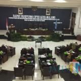 Suasana rapat paripurna DPRD Kota Malang bersama Pemkot Malang dalam agenda pengesahan Perda BPHTB, Senin (15/10/2018). (Foto: Nurlayla Ratri/MalangTIMES)