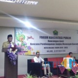 Wakil Wali Kota Malang, Sofyan Edi Jarwo saat membuka Forum Konsultasi Publik Rancangan Awal Rencana Pembangunan Jangka Menengah Daerah Kota Malang Tahun 2018 - 2023 (Pipit Anggraeni/MalangTIMES)