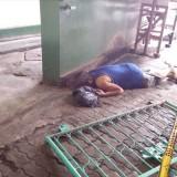 Korban sebelum dievakuasi ditemukan di Pasar Wage. / Foto : Dokpol / Tulungagung TIMES