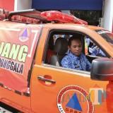 Bupati Lumajang saat memberangkatkan donasi untuk gempa Sulteng. (Foto: Pawitra/JatimTIMES)