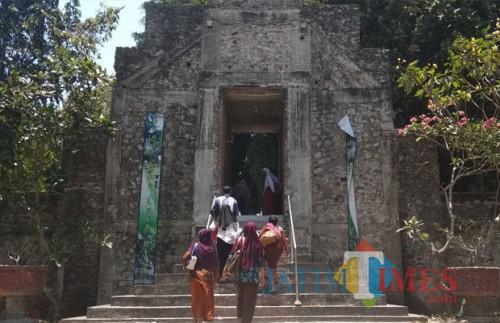 Pintu masuk Sendang Tirto Kamandanu. (eko Arif s /JatimTimes)