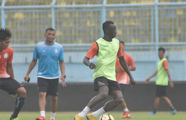 Pemain Arema FC berlatih di Stadion Kanjuruhan. (instagram @aremafcofficial)