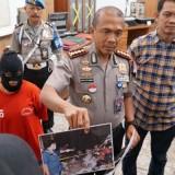 Kapolrestabes Surabaya Kombespol Rudi Setiawan saat press release.