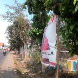 Banner calon legislatif yang terpasang di pinggir jalan Talangagung,  Kepanjen,  Senin (22/10/2018) (Nana)