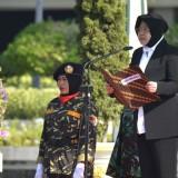 Wali Kota Surabaya Tri Rismaharini saat Apel Hari Santri Nasional