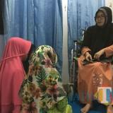 Aan Yuhaniz penyandang disabilitas saat mendidik hafidz Al-quran kepada santrinya, Kecamatan Pagelaran (Foto : Ashaq Lupito / MalangTIMES)