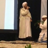 Heboh, di Youtube Banyak Video Memperlihatkan Seorang Habib Lagi Terbang saat Ceramah