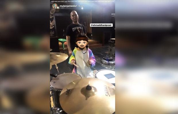 Tangkapan layar akun Instagram official milik Mulan Jameela yang mengabadikan kegiatan Ahmad Dhani. (Foto: Dokumen MalangTIMES)