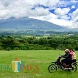 Salah satu wisata Bukit Teletabies di Desa Bumiaji, Kecamatan Bumiaji. (Foto: Irsya Richa/MalangTIMES)