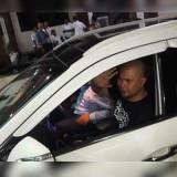Ahmad Dhani saat meninggalkan ruang Ditreskrimum Polda Jatim