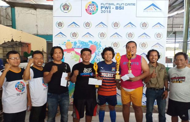 Para pemenang Futsal Fun Game PWI-BSI 2018