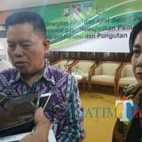 Sugeng Hariyono Inspektorat II Kemendagri saat memberikan keterangan pada awak media di Pendopo Kabupaten Kediri. (foto: Eko Arif S/ JatimTIMES)