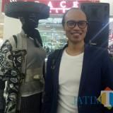 Pengamat fashion dan owner Color Models Inc Agoeng Soedir Poetra (foto: Imarotul Izzah/Malang Times)