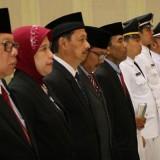 Para OPD menjabat posisi baru dilantik oelh Wali Kota Batu Dewanti Rumpoko di Graha Pancasila Balai Kota Among Tani. (Foto: istimewa)
