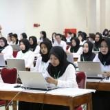 Para peserta saat mengikuti seleksi CPNS.(ist)