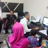 Pemosting penculikan anak saat diperiksa polisi (Foto : Dokpol / TulungagungTIMES)