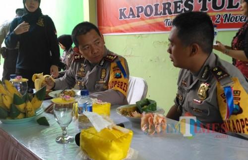 Kapolres Tulungagung AKBP Tofik Sukendar dan Waka Polres Andik Gunawan / Foto : Anang Basso / TulungagungTIMES