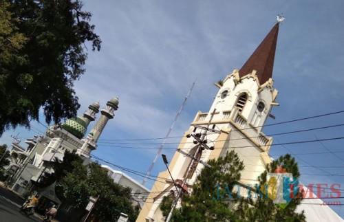 Dua bangunan peribadahan di Kota Malang yang diduga cagar budaya. (Foto: Dokumen MalangTIMES)