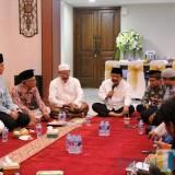 Acara cangkrukan yang digelar di rumah dinas kapolda Jatim.