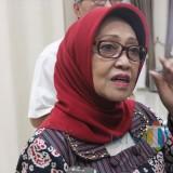Bupati Jombang Hj Mundjidah Wahab saat diwawancarai. (Foto : Adi Rosul / JombangTIMES)