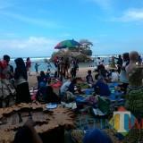 Acara di wisata pantai Balekambang. Potensi pariwisata Kabupaten Malang sangat berlimpah,  sayangnya belum ada sekolah penghasil SDM Pariwisata sebagai pengungkit potensi (Nana)