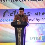 Gubernur Jatim Soekarwo memberikan sambutan saat Hari Pangan Dunia.