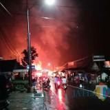 Kebakaran dahsyat di Pasar Pronojiwo. (Foto: Istimewa/Pawitra)