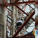 Detik-detik menegangkan saat petugas gabungan hendak mengevakuasi pria yang nekat memanjat tower setinggi 72 meter, Kecamatan Pakisaji (Foto : Palang Merah Indonesia (PMI) Kabupaten Malang for MalangTIMES)