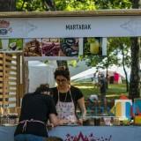 Kudapan halal yang ditawarkan di berbagai kedai di Rusia sebagai salah satu destinasi wisata halal (Mushadi Iksan for MalangTIMES).