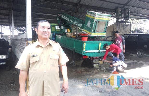 Kabid PJU Disperkim Kota Malang Agus Sunarhadi. (Anggara Sudiongko/MalangTIMES)
