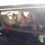 Anggota Komisi III DPR RI, Arteria Dahlan saat tinggalkan Mapolres Tulungagung (foto : Joko Pramono/Jatimtimes)