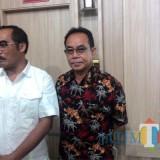 Imam Zuhdi Ketua Harian KONI Kabupaten Malang (kiri) bersama Ketua Panitia Porkab ke-7 M Djamhuri Djauhari, optimis acara berjalan lancar dan sukses (Nana)