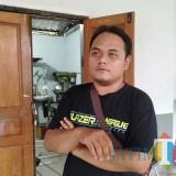 Hengki Dinata, putra pertama pasangan Almarhum Didik dan Suprihatin (foto : Joko Pramono/JatimTIMES)