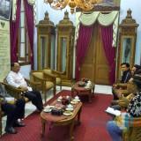 Panitia Getih Getah Gulo Klapa bertemu Bupati Blitar di pendapa.(Foto : Team BlitarTIMES)