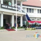 Kegiatan upacara bendera Hari Pahlawan di Balaikota Malang. (Foto: Nurlayla Ratri/MalangTIMES)