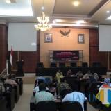 Suasana Rapat Internal Paripurna Penutupan Masa Reses Cawu III di Ruang Rapat Paripurna. (Foto : Adi Rosul / JombangTIMES)