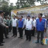 Kapolres Malang AKBP Yade Setiawan Ujung saat memeriksa kesiapan tim gabungan siaga bencana Kabupaten Malang. (Foto : Dokumen MalangTIMES)