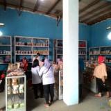 Outlet BUMDesa SMS yang terletak di Desa Sutojayan,  Pakisaji, sebagai ruang pemasaran produk unggulan warga desa (Nana)