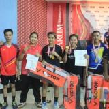 Bersama pelatih atlet PB. Mutiara Tangkas fose bersama (Foto Heru Hartanto / Situbondo TIMES)