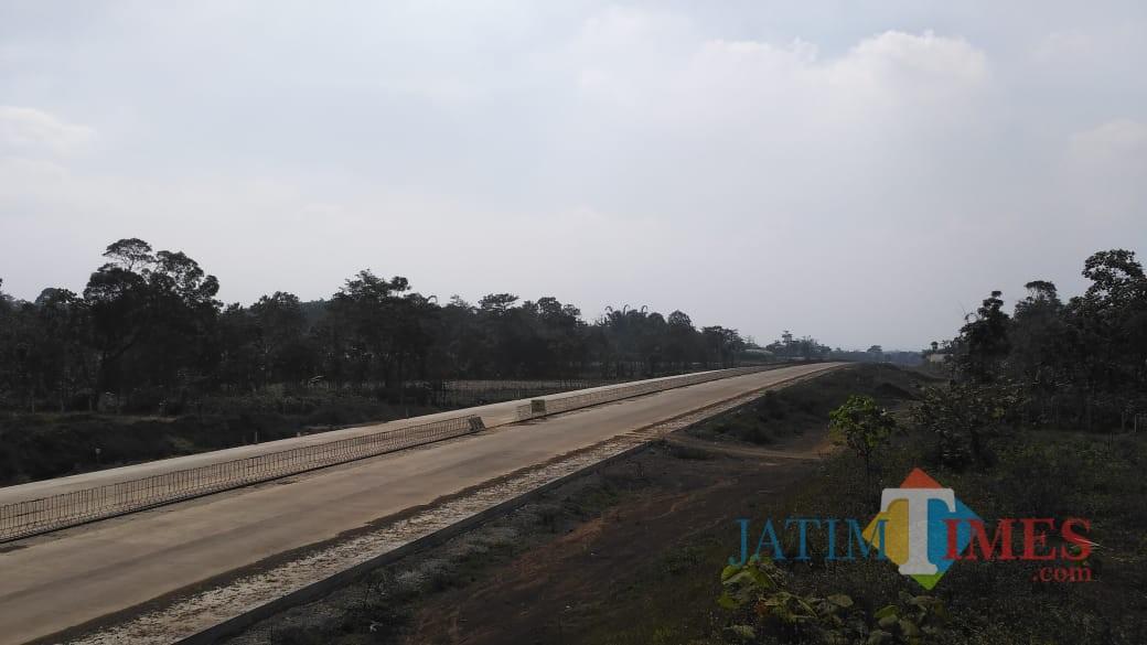 Pembangunan Tol Malang - Pandaan di titik Sumberwuni, Lawang, Kabupaten Malang. (Foto: Nurlayla Ratri/MalangTIMES)