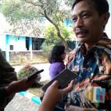 Wahyu Hidayat, kepala DPKPCK Kabupaten Malang, menyatakan bersiap membentuk pasukan gorong-gorong untuk menghadapi musim hujan. (Nana)
