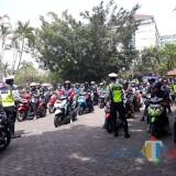 Terlihat ratusan pengendara tampak dirazia polisi di kawasan Taman Krida Budaya Jatim (TKBJ). (Anggara Sudiongko/MalangTIMES)