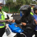 Petugas kepolisian Satlantas Polres Malang saat menggelar giat Oprasi Zebra Semeru 2018, Kabupaten Malang (Foto : Dokumen MalangTIMES)