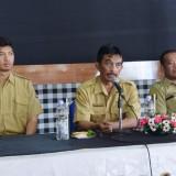 Kabag Humas Pemkot Kediri Apip Permana (tengah) membuka pembekalan bimbingan teknik jurnalistik . (Foto: Ist)