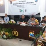 Kapolrestabes Surabaya Kombespol Rudi Setiawan