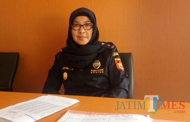 Lina  Andriani, Kepala Sub Seksi Penyuluhan dan Layanan Informasi Kantor Bea  Cukai Blitar.(Foto : Aunur Rofiq/BlitarTIMES)