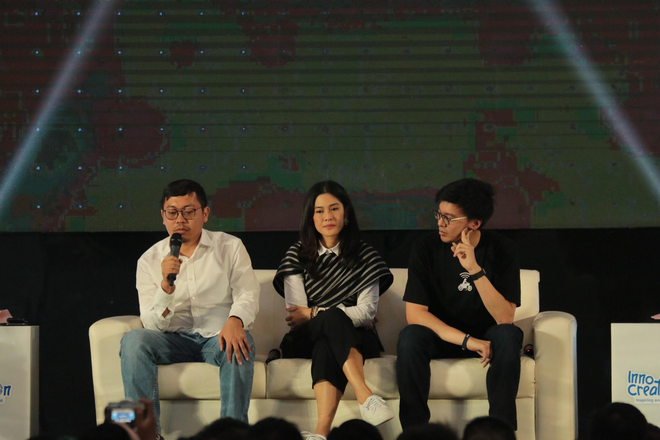 Ajang Innocrativation yang juga dihadiri aktris Dian Sastro di Surabaya