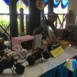 Ratusan peserta dari korwil bank sampah nampak antusias saat mengikuti serangkaian agenda gelar daur ulang dan update daur ulang sampah se-Kabupaten Malang, di Pendopo Agung Kabupaten Malang (Foto : Ashaq Lupito / MalangTIMES)